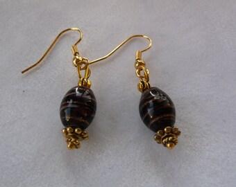 Eggpland pierced earrings