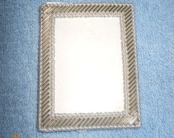 Beaded Picture frames on plastic canvas (3 colors)