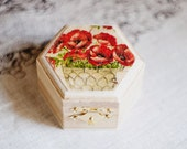 "Small hexahedral rustic style wedding box  ""Red Poppies"" - Natural wood, ring bearer, rustic, poppies, red, ecofriendly"