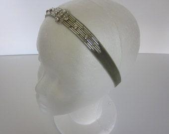 Silver 1920s flapper Headpiece, 1920s accessories Sage Green velvet for Gatsby dress matching Gatsby Dress 1920s headband dress rhinestone