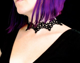 Tatted Lace Choker Necklace - Cathedral