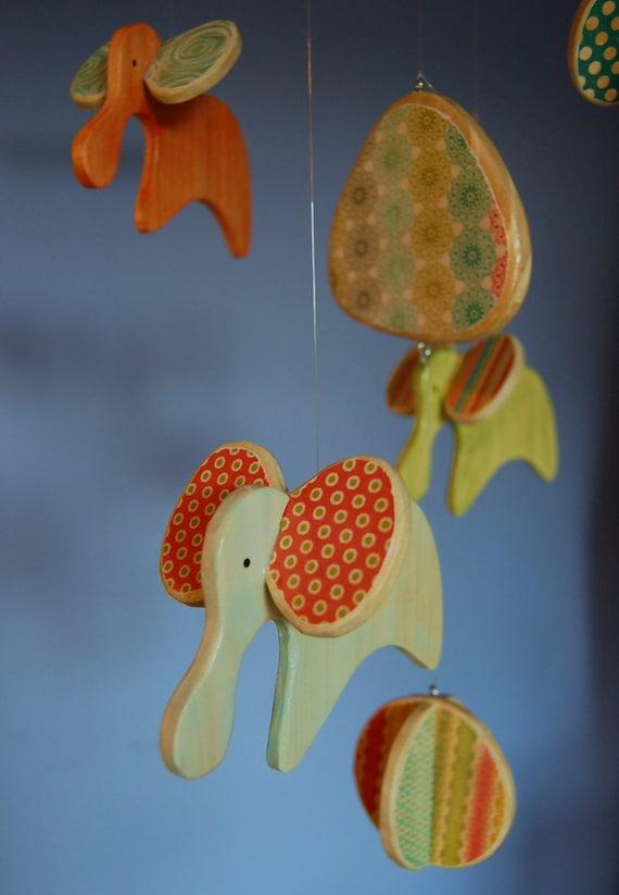 Elephant Baby Mobile | Elephant Nursery | Modern Mobile | Baby Elephants | Style: Colors of the Rainbow