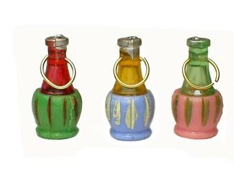 4 x Italian Wine Genie Bottle Vintage Plastic Charms
