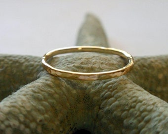18K Gold Ring Band Hammered Skinny Stacking Ring in Stunning Gold