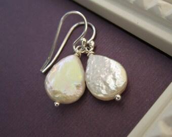 Teardrop pearl earrings, freshwater pearls, beach wedding, summer wedding, bridesmaid earrings, simple earrings, dangle earrings
