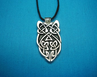 Small Silver Pewter, Celtic Knotwork Necklace Pendant STK021