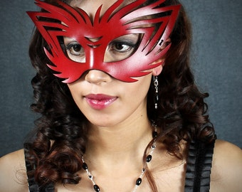 Wildcat leather mask in red