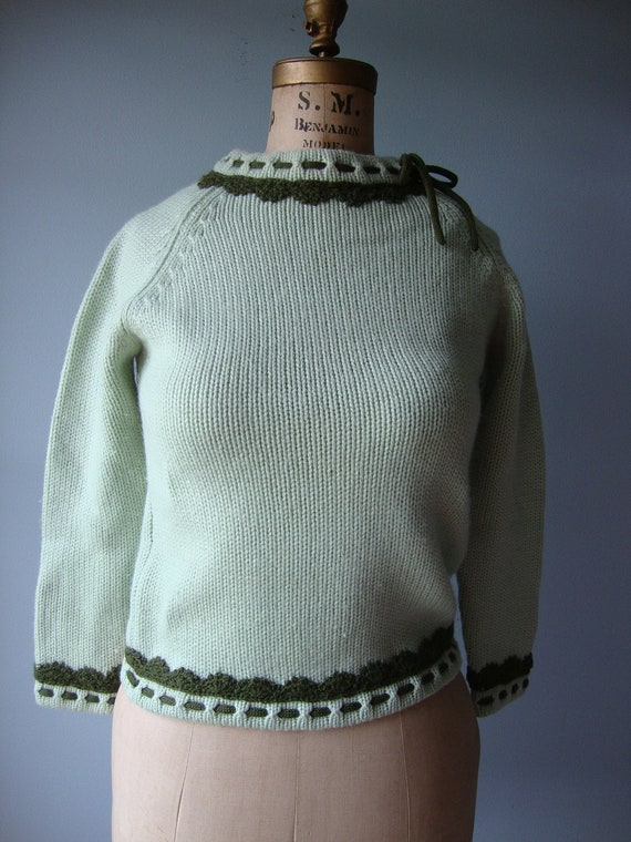 1960s green sweater //  British Crown Colony Hong Kong