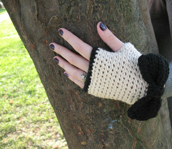 Lady Bows | Crochet Fingerless Gloves in Ivory with Black Bows Pima Cotton, Womens Wrist Warmers - Ready to Ship