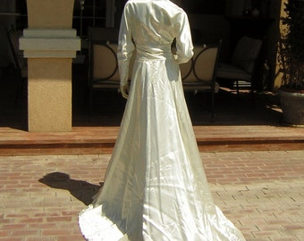 30s 40s Tailored Fitted Wedding Dress Bridal Gown Vintage Heavy Duchesse Slipper Satin Train & Classic Silhouette Small XS