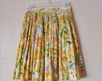vintage yellow/green knee length pleated skirt. accordion skirt