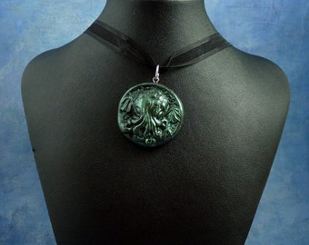 Dark Green Small Cthulhu Cameo Necklace, Polymer Clay Lovecraft Jewelry