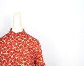 Vintage 60s Top / Floral Blouse / 1960s Blouse / M L
