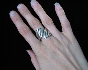 Vintage Taxco Mexican Silver A. Cazares Ring - Large Size
