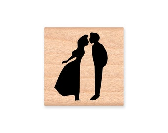 KISSING COUPLE Rubber Stamp~Kiss~love~wedding~prince and princess~girlfriend boyfriend~love you~wood mounted rubber stamp (22-17)