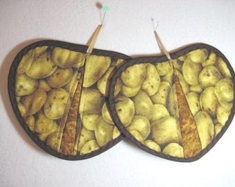 Heart shaped pot holder  pot pincher hot pad set  potatoes