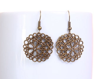 Antique brass round flower dangle drop earrings (627) - Flat rate shipping