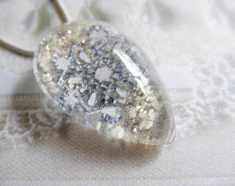Shimmering Snowflakes and Queen Anne's Lace Glass Teardrop Pressed Flower Pendant-Gifts Under 30-Winter Inspired-Symbolizes Peace