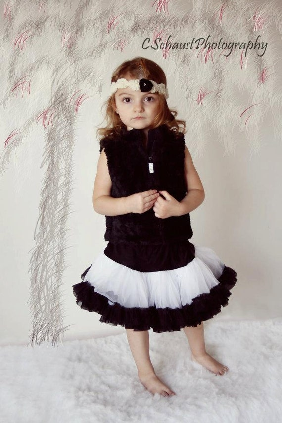 Size 4-8 years Cyber Sale. Chicaboo Original Pettiskirt Black & white, Recommended for ages 4-8 years
