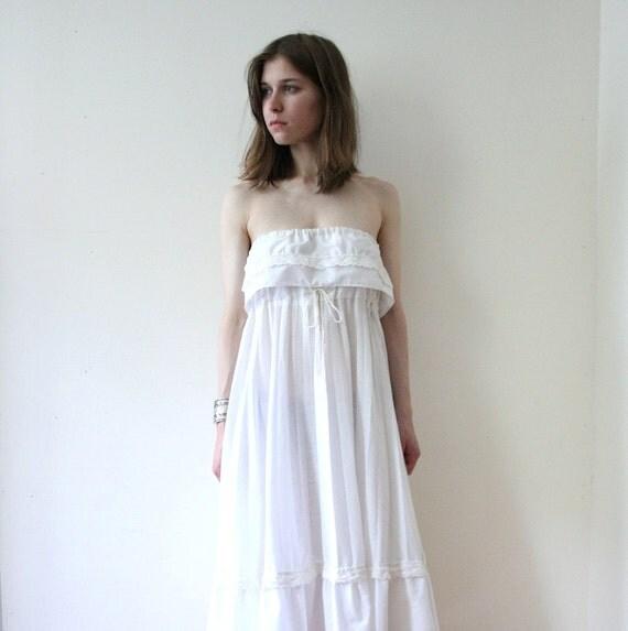 SUMMER SALE Vintage 70s White Summer Trapeze Day Dress