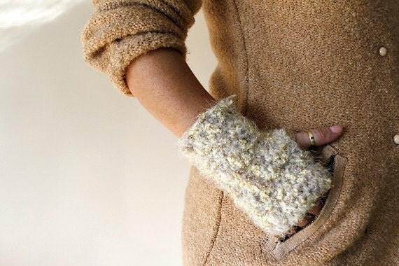Fingerless Gloves / Sparkled White Fingerless Gloves / Crochet Fingerless Gloves / Winter Accessories / Gold Glitter Gloves / Birthday Gift