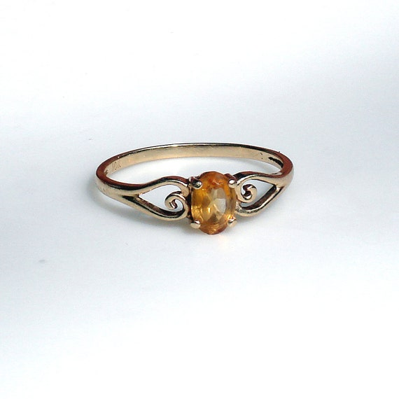 Retro 10k Gold Ring with Citrine