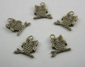 10 pcs. Zinc Brass Cute Owl on Stick Charms Pendants Decorations Findings 19 mm. RCO