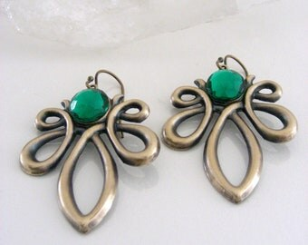 Art Nouveau Earrings - Vintage Earrings - Emerald Green Earrings - Vintage Brass earrings - handmade jewelry