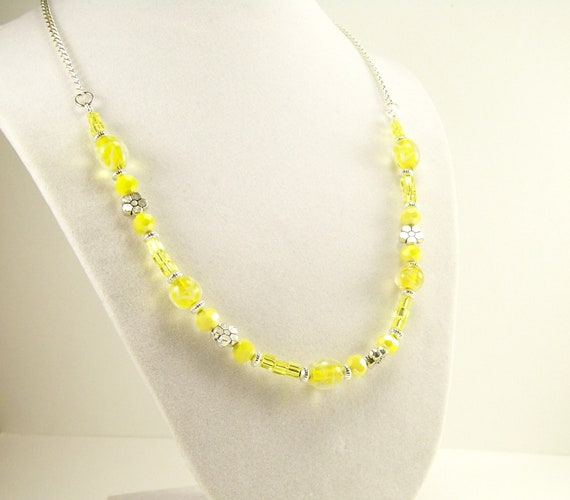 Yellow Necklace, Glass Beaded Necklace, Silver Necklace, Beaded Jewelry, Glass Jewelry, Handmade Jewelry, Fashion Jewelry