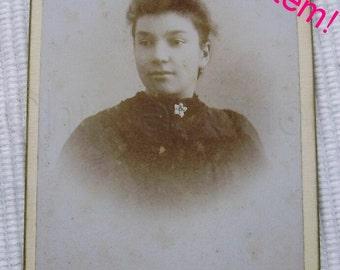 French Antique Photograph / Carte de Visite (CDV) - Young Woman 'Clearance Item' (Bonnesoeur, St. Servan, Brittany)