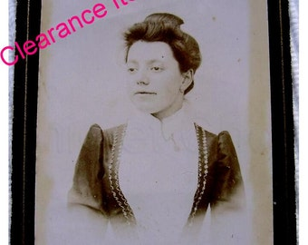 Antique French Photo / Carte de Visite (CDV) - Young Woman (Clearance Item)
