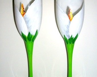 White Calla Lily Set of  2 - 6 oz. Hand Painted Champagne Flutes Toasting Glasses Arum-Lily Wedding Anniversary Flower White Flowers