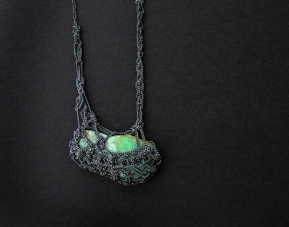 broken hearts crysophrase crochet necklace