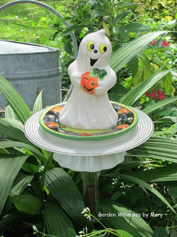 Halloween Ghost Garden Stake - As Featured in Valley Homes & Style Magazine