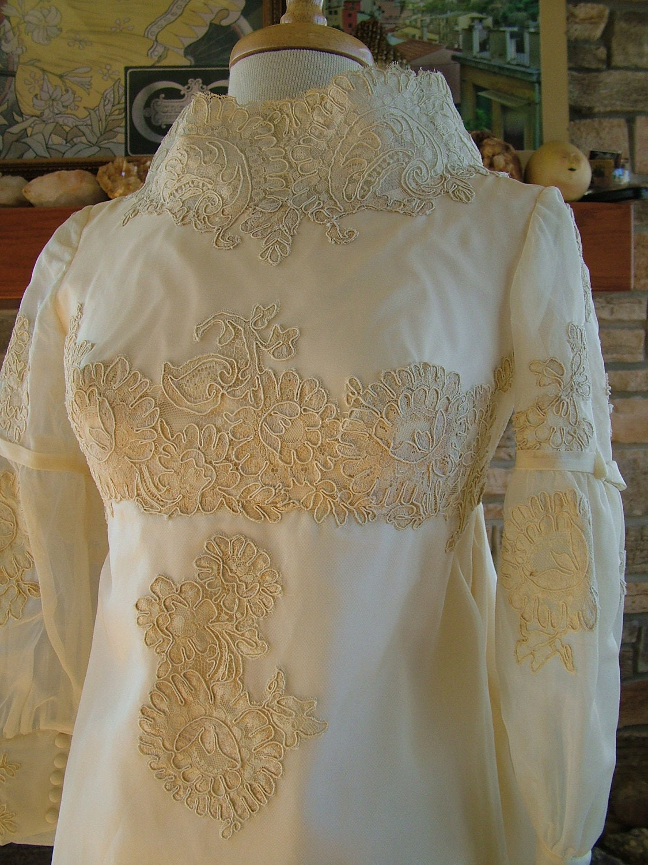 Wedding dress 1960s vintage sheath alencon lace wateau train for Lace sheath wedding dress vintage
