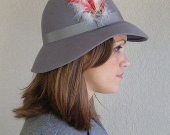 vintage 80s gray wool RED, White FEATHER HAT felted wool riding boho fedora
