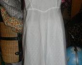Barbizon TAFFETA Slip .size large.white Slip Lingerie.Thicker  Nylon.side  zipper. Beautiful design.wedding night.Bridal gift.Anniversary