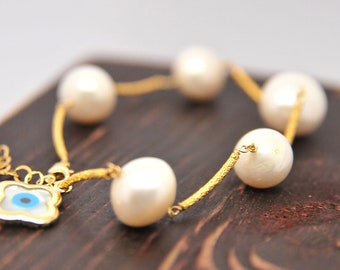 Modern Pearl and Evil Eye Bracelet, Everyday Pearl Bracelet, Holiday Gifts for Her