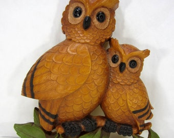 Vintage 1970's Plastic Big Owl And Little Owl Wall Hanging Hand Painted