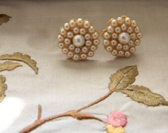 Bridal Stud Earrings,Wedding Earrings,Vintage Style Earrings,Swarovski Pearls,Wedding Jewelry,Posts Flowers Earrings ,Accessories