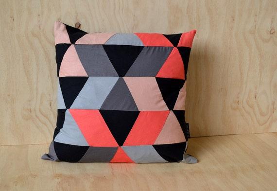 Cushion cover // geometric pattern // coral, peach, black, grey // 50x50 cm // 20x20 inch