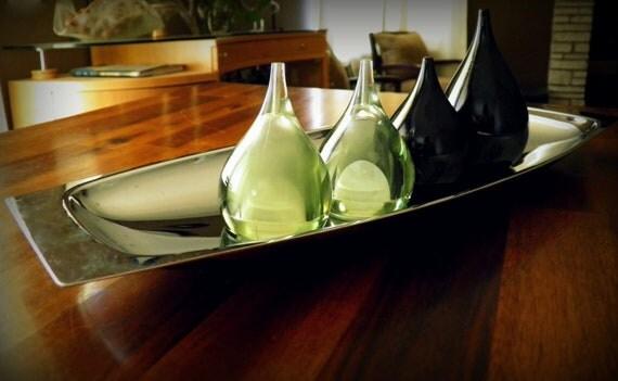 RESERVED--1960s Lucite/Acrylic Condiment Set--Green Salt/Pepper by Guzzini (Italy)--Black Mini-Cruets by Otagiri (Japan)