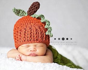 Crochet Pumpkin Hat / Newborn Pumpkin Hat / Baby Pumpkin / Photography Props Perfect for Fall Photos / Pumpkin Hat Newborn / Made to Order