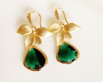 emerald earrings,gold orchid earrings,emerald green earrings,gold flower earrings,Dark green gold earrings,crystal tear drop green earrings