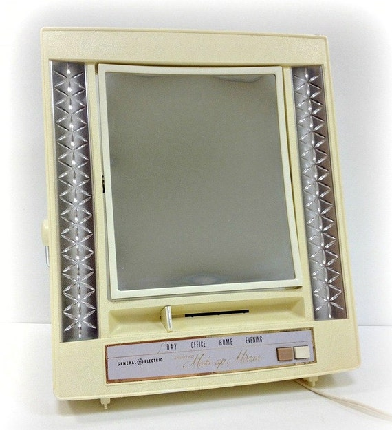 Items similar to Vintage 60s General Electric Lighted Double Sided Makeup Mirror Vanity-4 Light ...