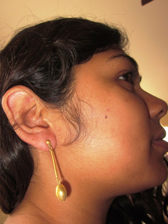 Vintage Gold Tone Drop Earrings