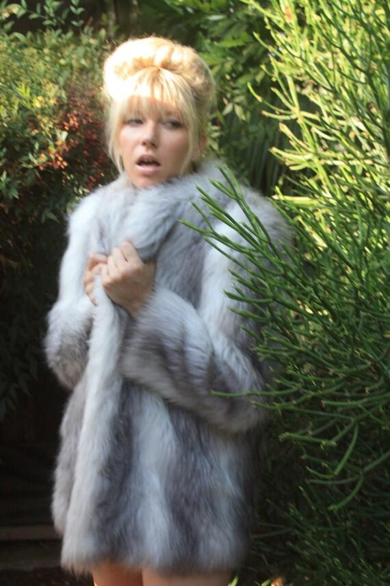 Woman in fur coat gets fucked - 5 3