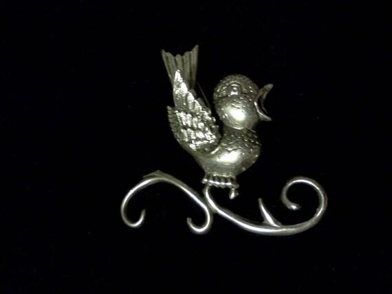 Darling Singing Bird Brooch in Sterling Silver