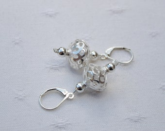 925 silver for these pretty earrings.