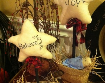 Primitive Nativity with Fabric Star, Jesus in a Manger with Believe Fabric Star
